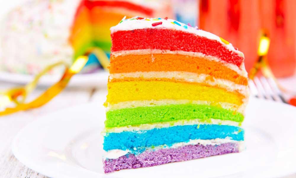 Fetta di Rainbow Cake